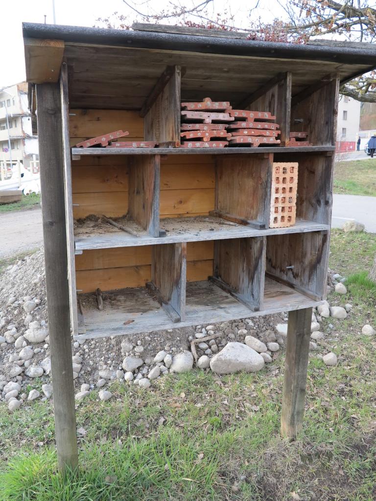 Leeres Bienenhotel (Photo: Röbi Graf)